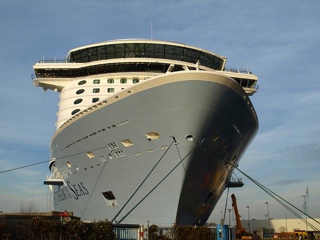cruise-ship-665776_640