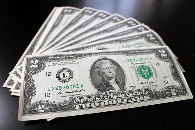 money-3199518_640