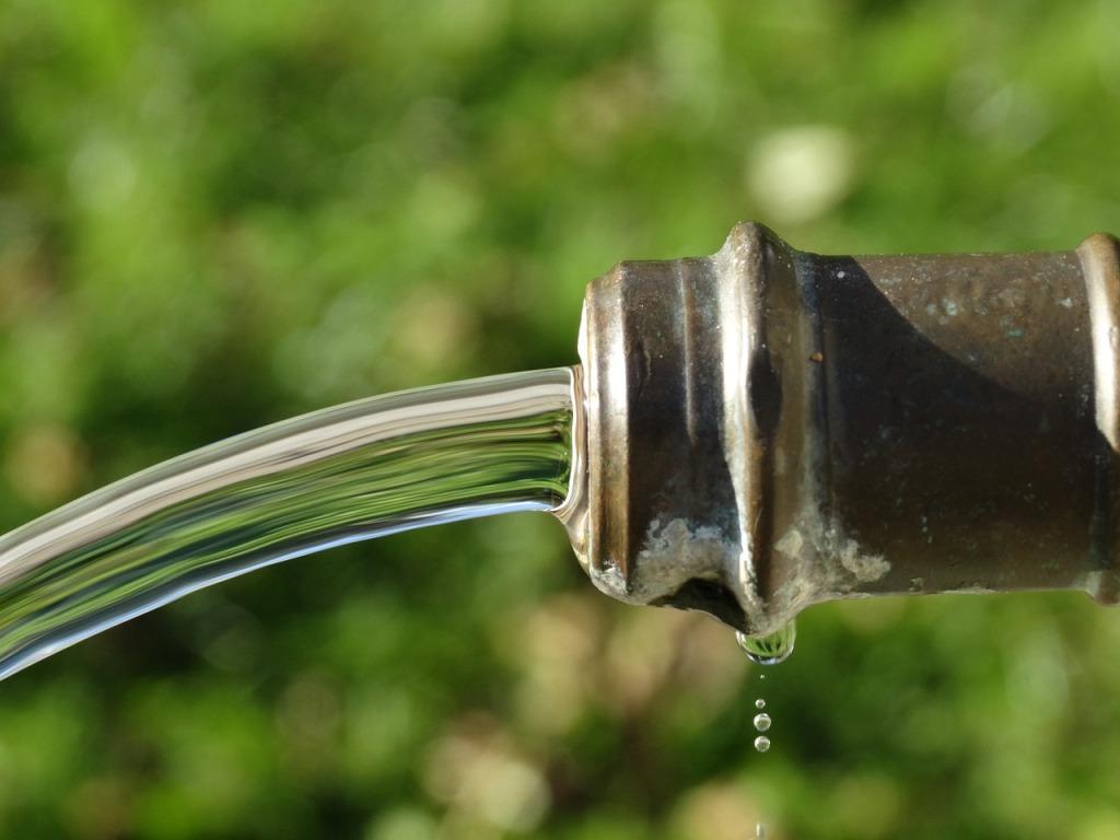 faucet-482506_1280