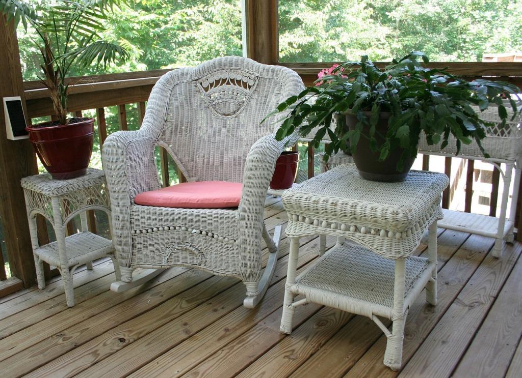 wicker-rocking-chair-50613_1280