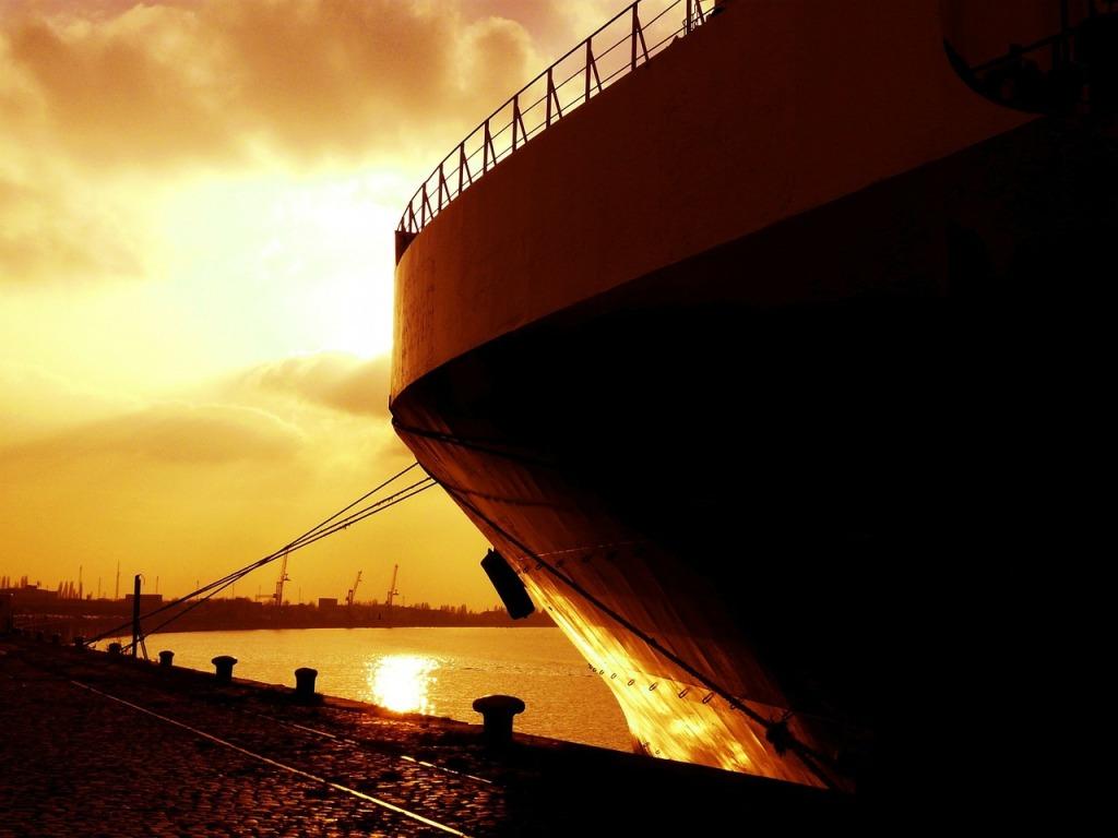 ship-315384_1280