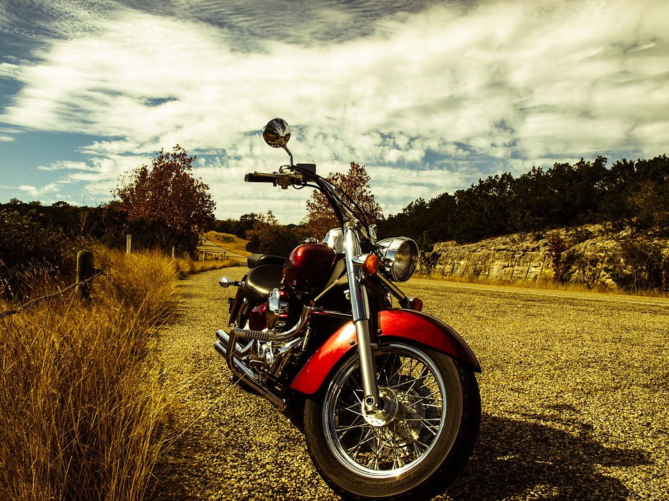 motorcycle-552787_960_720